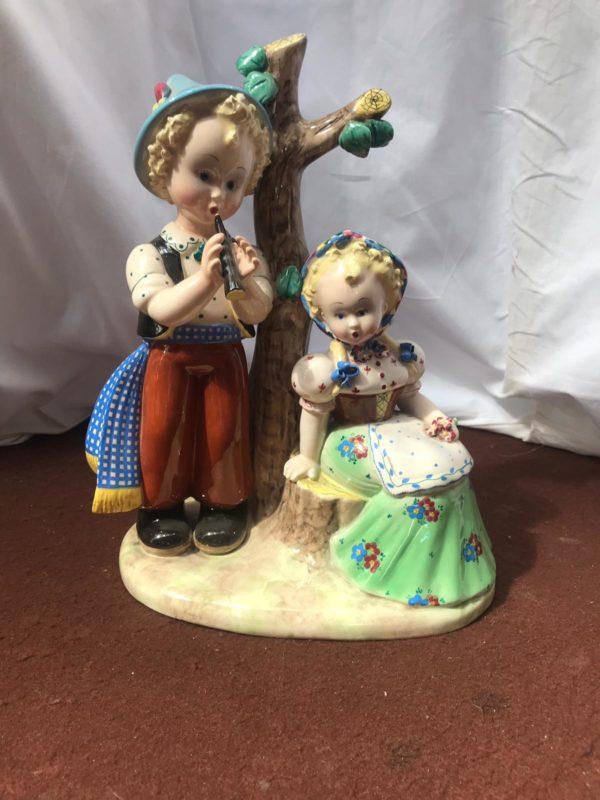 Statuetta in porcellana