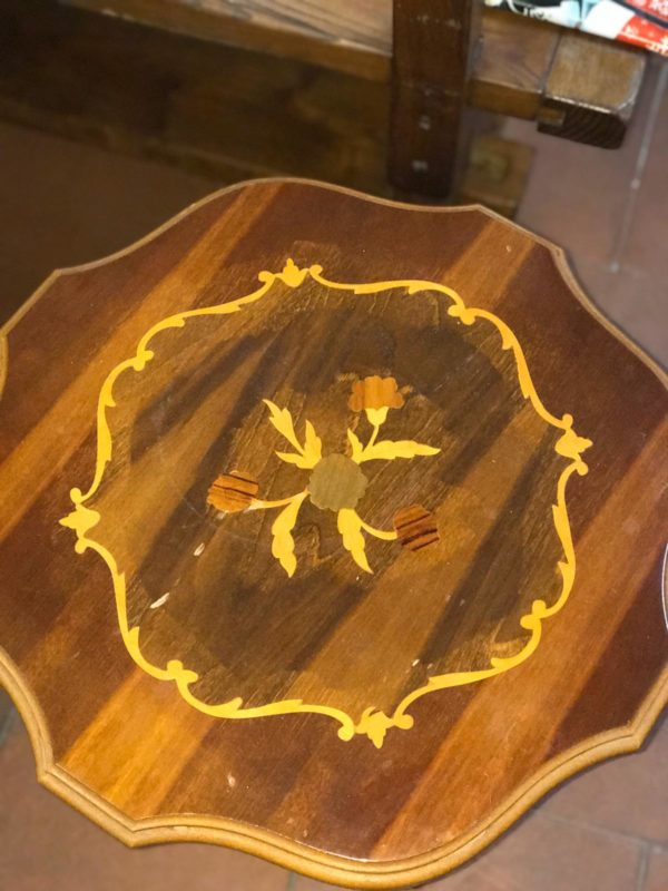 Tavolino esagonale